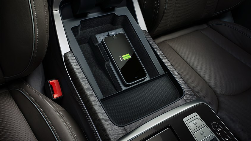 Audi Q8 Phone Box Handyablage